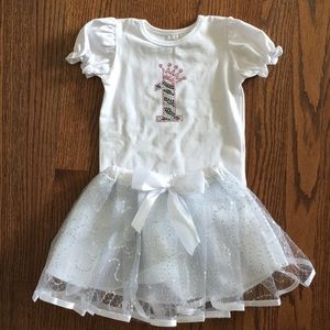 NWOT one year old birthday outfit with skirt